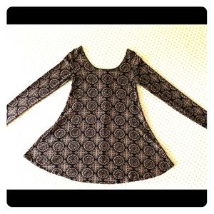 Forever 21 tunic black/tan; size Small